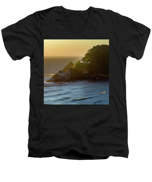 Heceta Head Lighthouse At Sunset Men's V-Neck T-Shirt