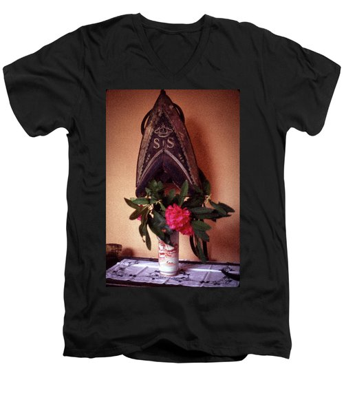 Helmet And Flower Men's V-Neck T-Shirt