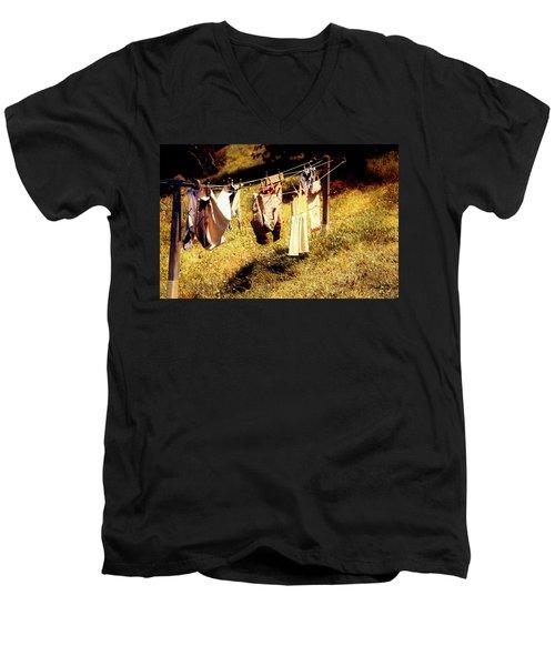 Hobbit Clothes Men's V-Neck T-Shirt