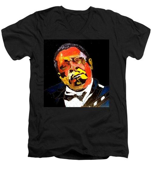 Honoring Bb King Men's V-Neck T-Shirt