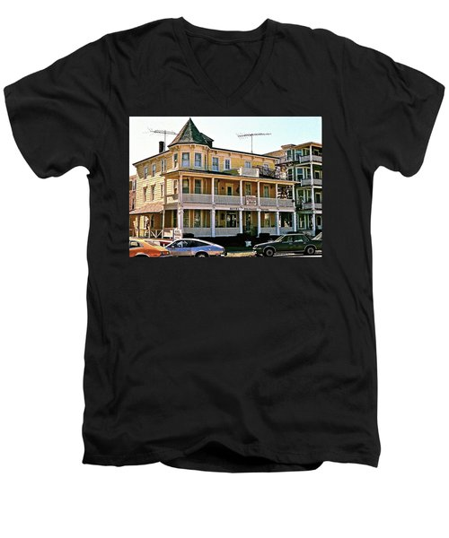 Hotel Polonaise Men's V-Neck T-Shirt