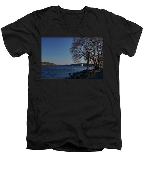 Hudson River With Lighthouse Men's V-Neck T-Shirt