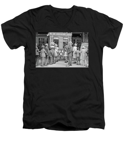 In Front Of A Movie Theater, Chicago, Illinois Men's V-Neck T-Shirt