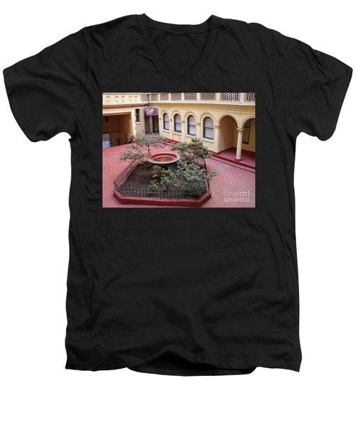 Isham Gardens Men's V-Neck T-Shirt