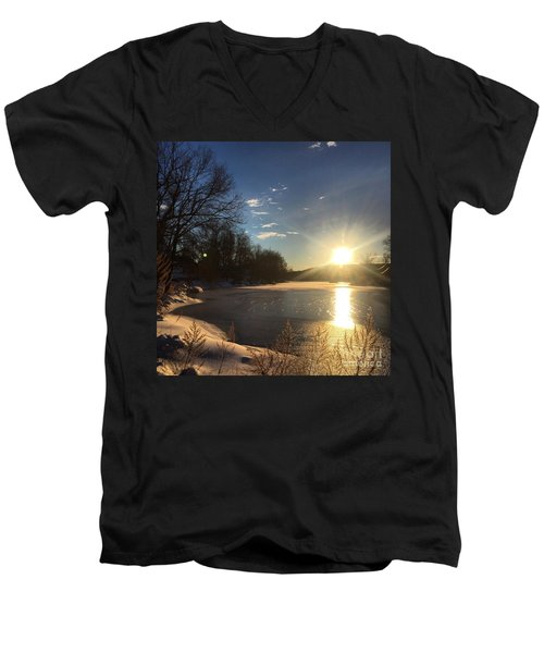 iSunset Men's V-Neck T-Shirt