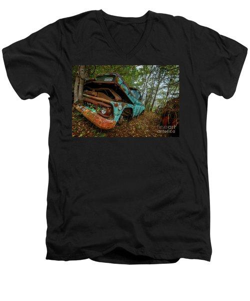 Jacked Up Gmc Men's V-Neck T-Shirt