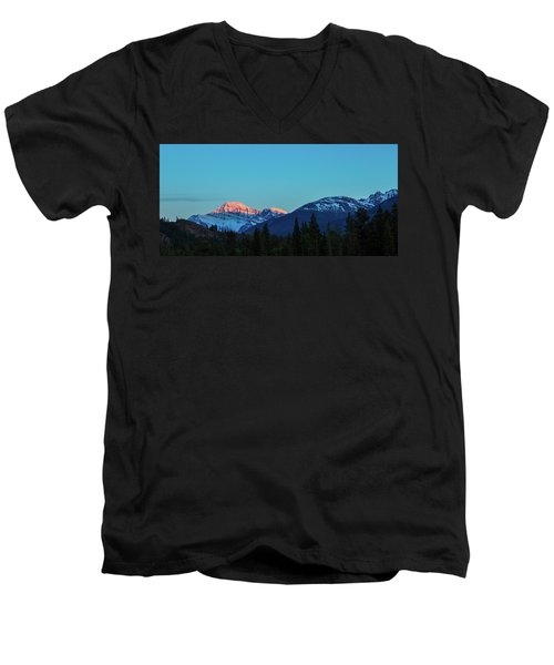 Jasper National Park Men's V-Neck T-Shirt