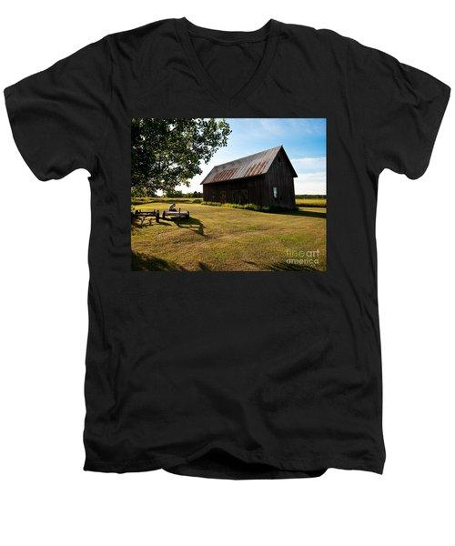 Jesse's World Men's V-Neck T-Shirt