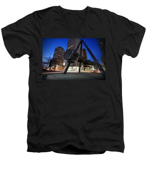 Joe Louis Fist Statue Jefferson And Woodward Ave. Detroit Michigan Men's V-Neck T-Shirt