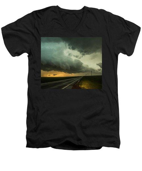 Kansas Storm Chase Bust Day 004 Men's V-Neck T-Shirt