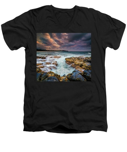 Kauai Ocean Rush Men's V-Neck T-Shirt