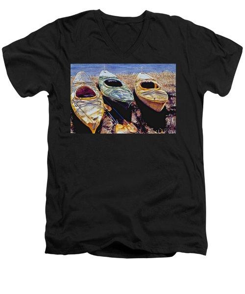 Kayaks Men's V-Neck T-Shirt