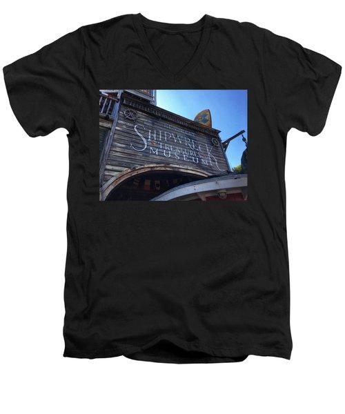 Key Museum  Men's V-Neck T-Shirt