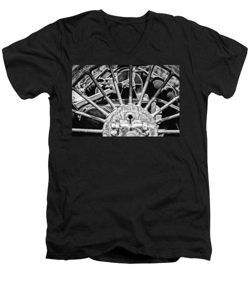 Key To Life Men's V-Neck T-Shirt