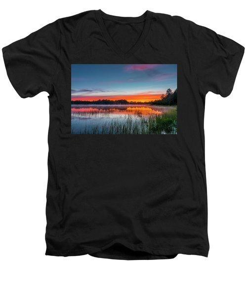 Kingston Lake Sunset Men's V-Neck T-Shirt