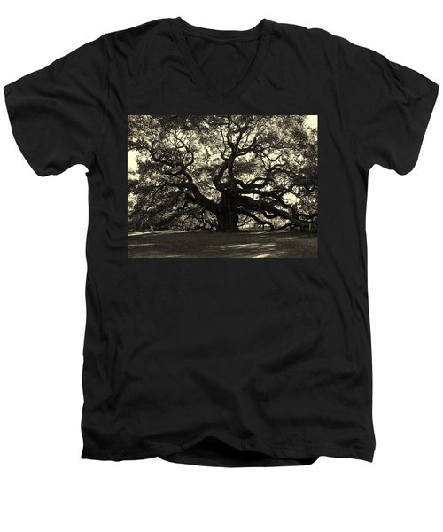 Last Angel Oak 72 Men's V-Neck T-Shirt