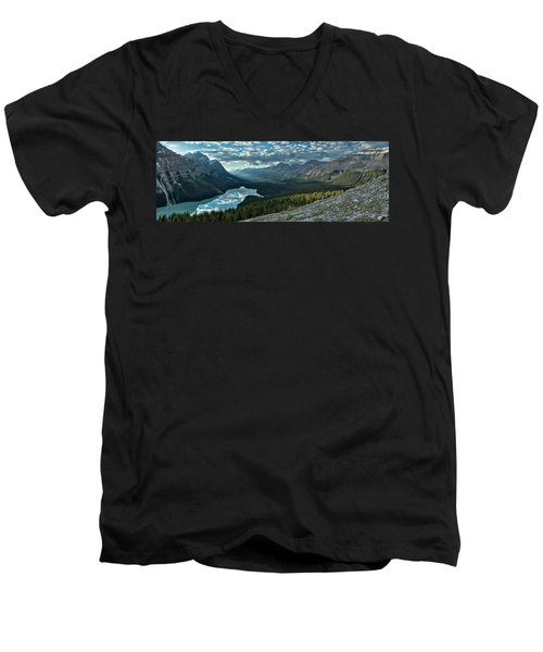 Men's V-Neck T-Shirt featuring the photograph Last Rays Of Light Over Peyto Lake by Sebastien Coursol