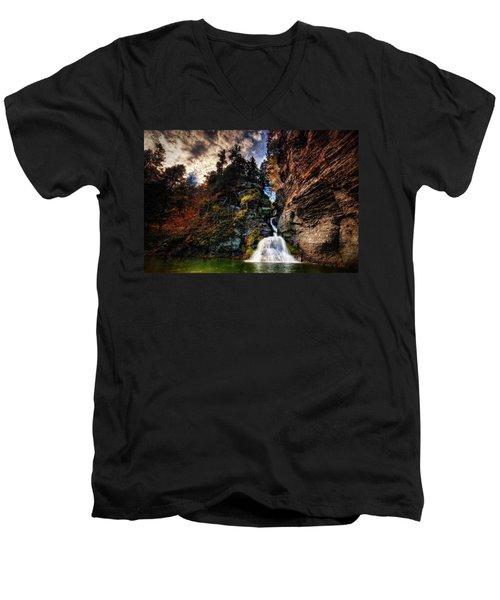 Laurelindorinan Men's V-Neck T-Shirt
