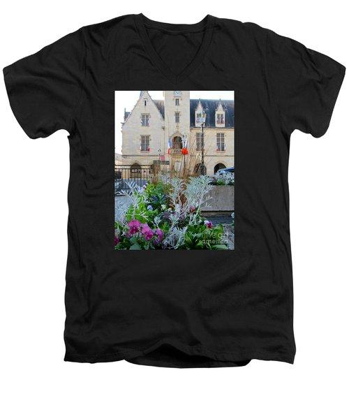 Libourne Town Hall Men's V-Neck T-Shirt