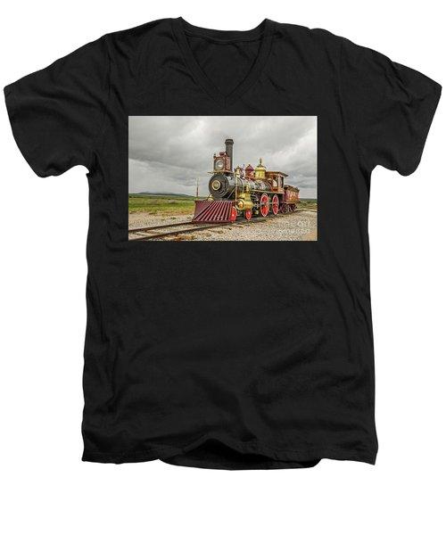 Locomotive No. 119 Men's V-Neck T-Shirt