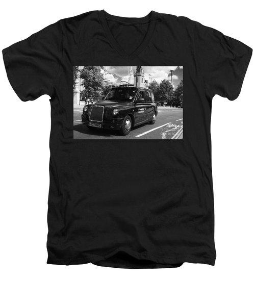 London Taxi Men's V-Neck T-Shirt
