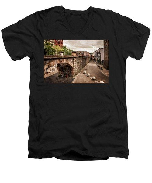 Londonderry Song Men's V-Neck T-Shirt