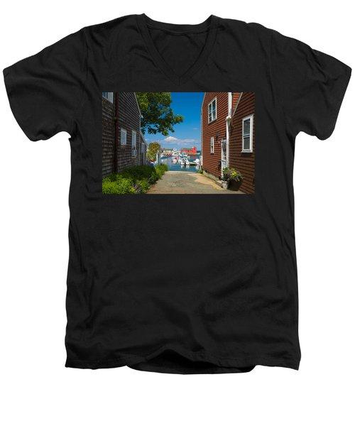 Looking Rockport Men's V-Neck T-Shirt