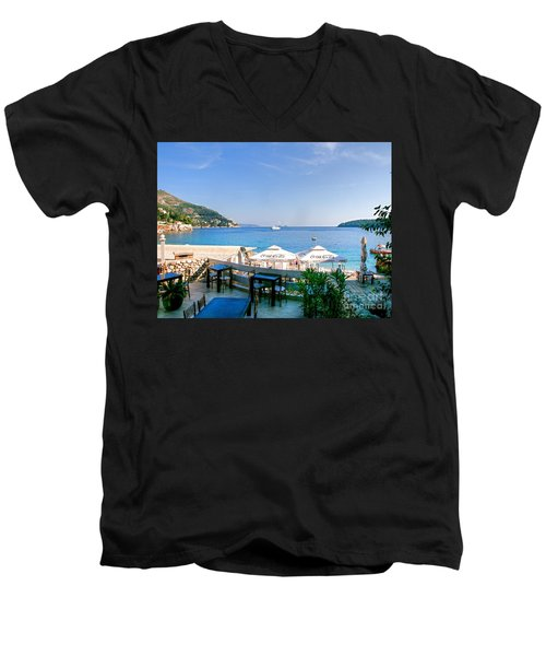 Looking To Dine Out Men's V-Neck T-Shirt