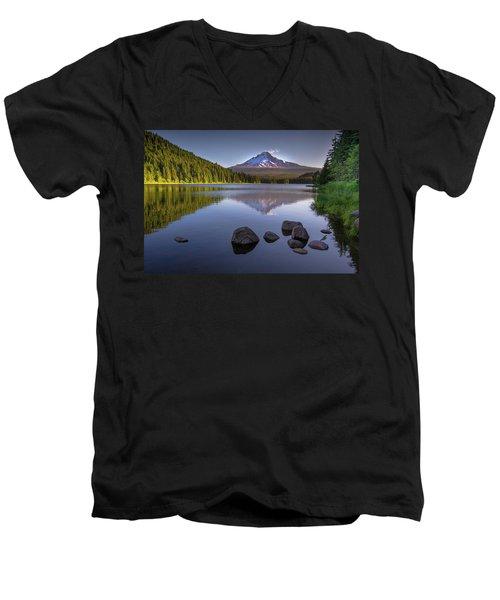 M T Hood Sunrise At Lake Trillium Men's V-Neck T-Shirt