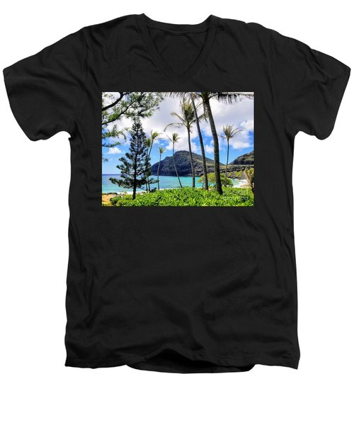 Makapuu Paradise Men's V-Neck T-Shirt
