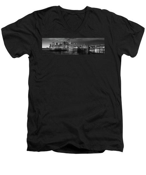 Manhattan Skyline At Dusk From Broklyn Bridge Park In Black And  Men's V-Neck T-Shirt
