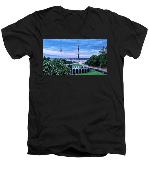 Maryland World War II Memorial Men's V-Neck T-Shirt