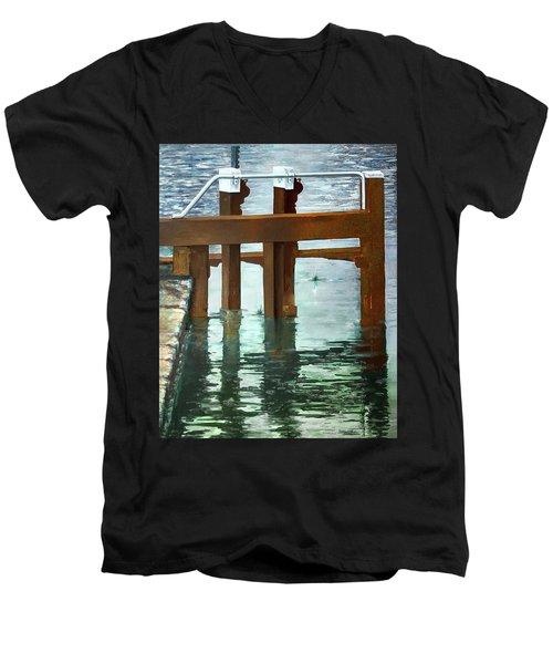 Maynooth Lock Men's V-Neck T-Shirt