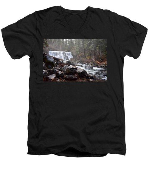 Mccloud Middle Fall Men's V-Neck T-Shirt