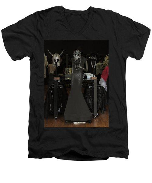 Melrose Avenue Witty Stile Men's V-Neck T-Shirt