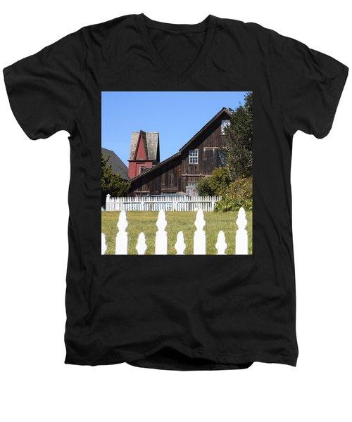 Mendocino Barn Men's V-Neck T-Shirt