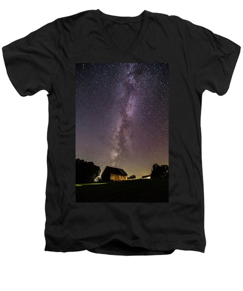Milky Way And Barn Men's V-Neck T-Shirt