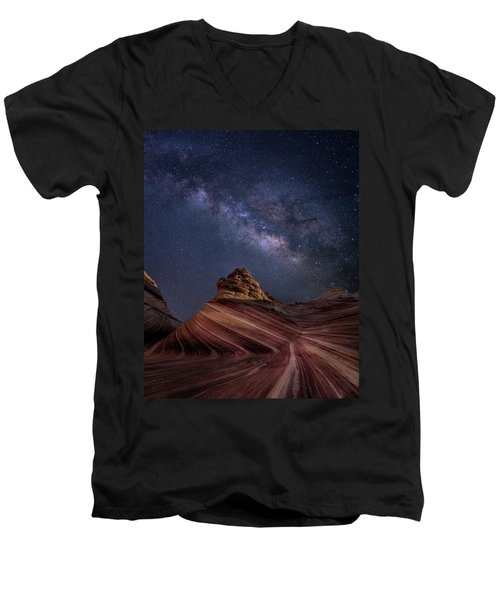 Milky Way And The Wave Men's V-Neck T-Shirt