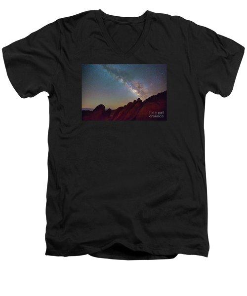 Milky Way In The Alabama Hills Men's V-Neck T-Shirt