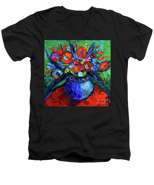 Mini Floral On Red Round Table Men's V-Neck T-Shirt