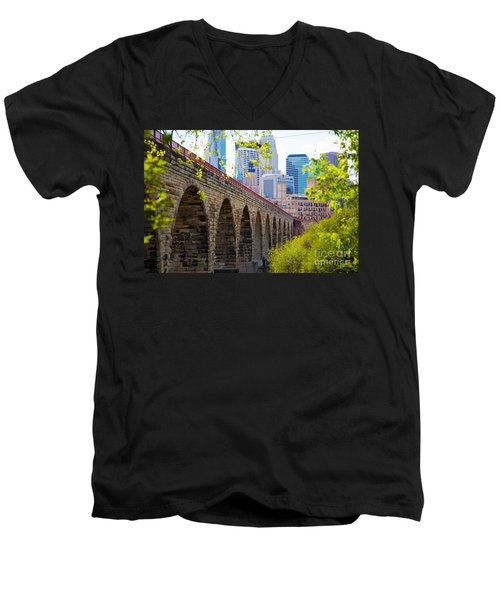 Minneapolis Stone Arch Bridge Photography Seminar Men's V-Neck T-Shirt