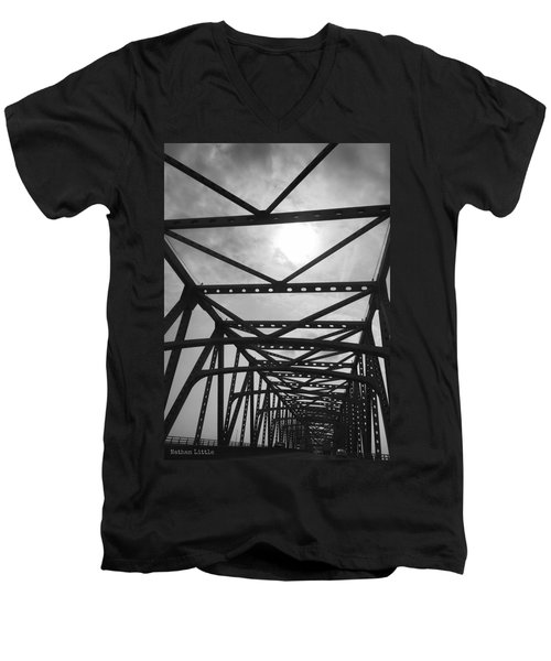 Mississippi River Bridge Men's V-Neck T-Shirt