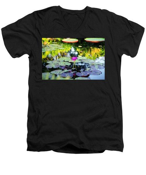 Monet Lilies Men's V-Neck T-Shirt
