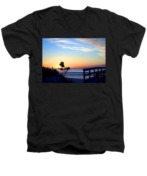 Morning I I Men's V-Neck T-Shirt