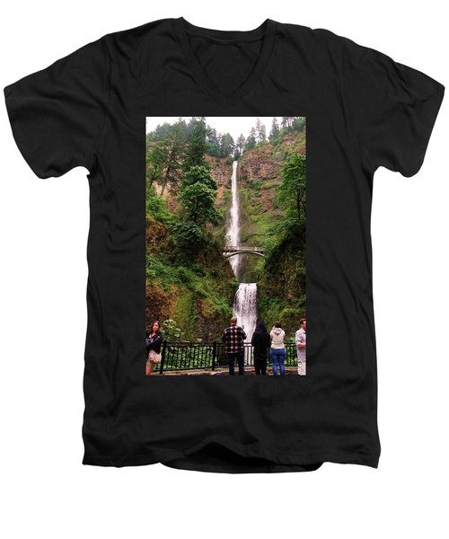 Multnomah Falls, Columbia River Gorge, Or Men's V-Neck T-Shirt