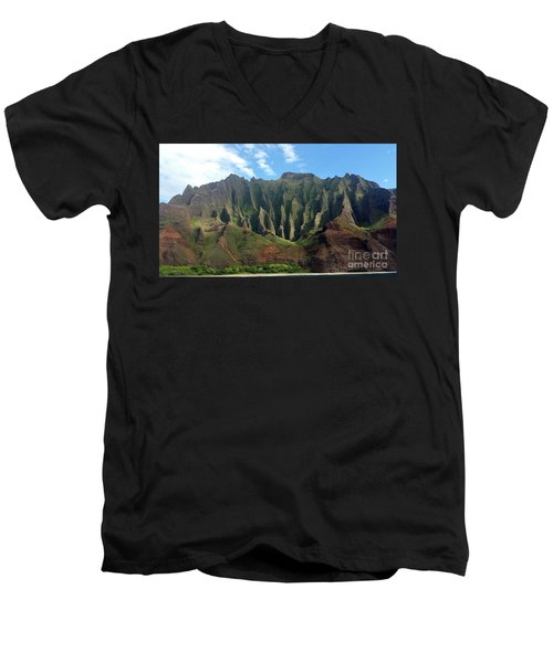 Na Pali Coast Men's V-Neck T-Shirt