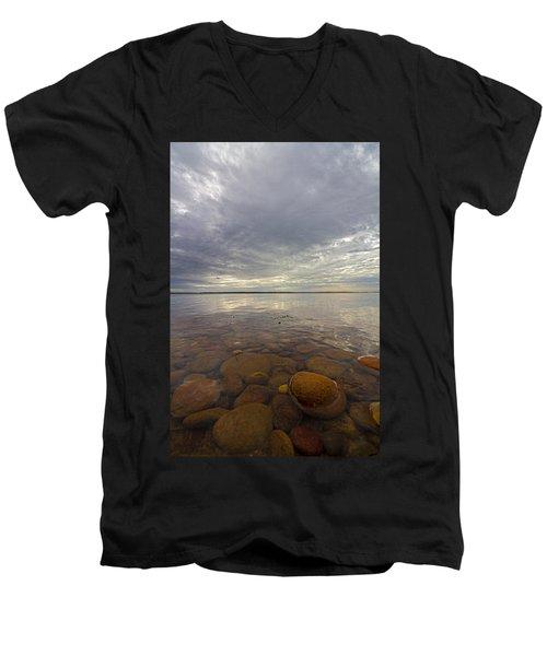 Napeague Bay Red Rocks Men's V-Neck T-Shirt