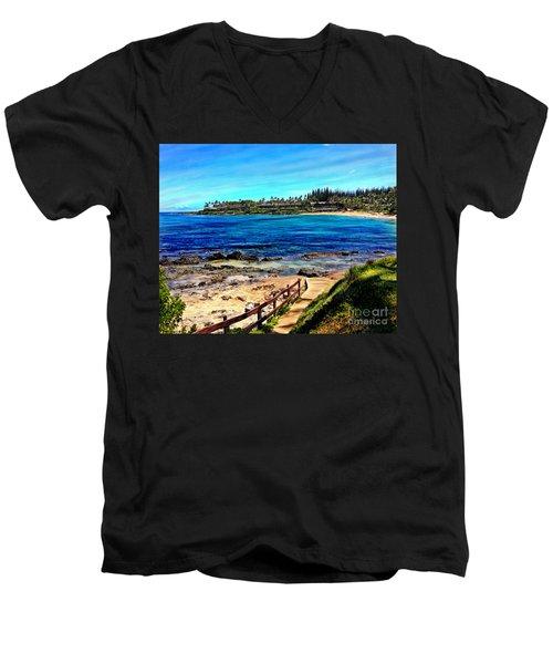 Napili Beach Gazebo Walkway Men's V-Neck T-Shirt
