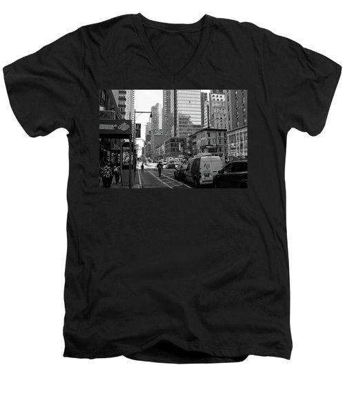 New York City Men's V-Neck T-Shirt