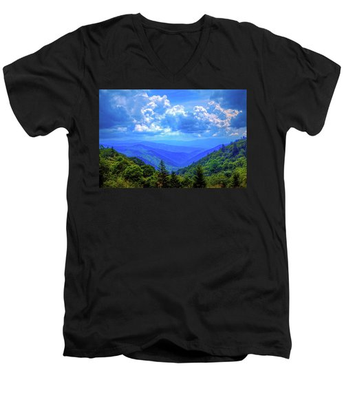 Newfound Gap Men's V-Neck T-Shirt